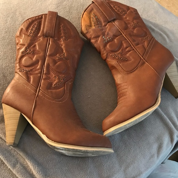 3460f0e1330 Torrid Wide Brown Cowgirl Boots. 9W